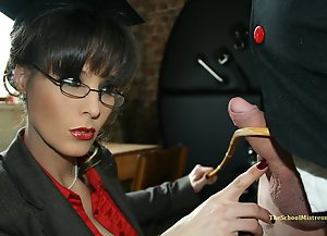 Mistress Annabelle experiemnts with stephens testicles